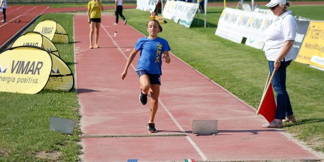 Simone Moro quinto nell'alto ai campionati regionali under 13